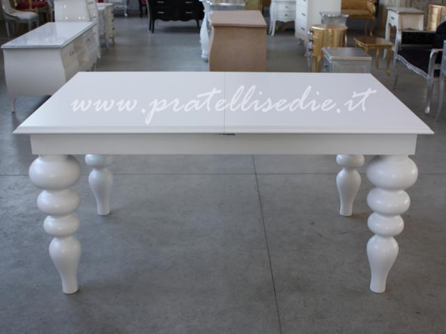 Tavolo barocco moderno gambe tornite pratelli mobili for Tavoli living moderni